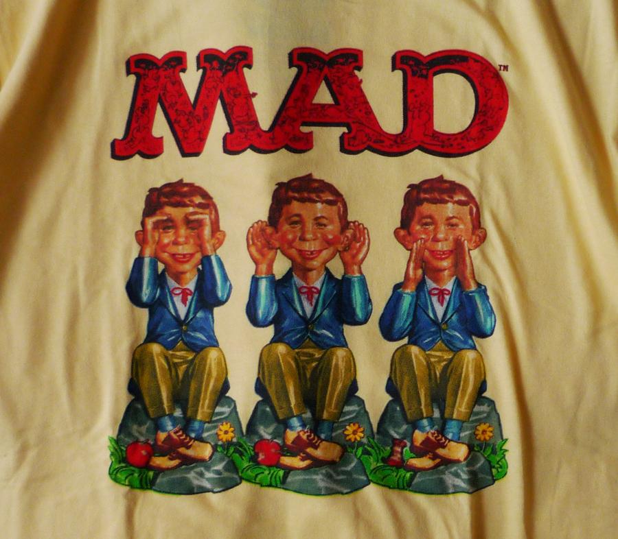 MadMagazineMADSeeHearSpeakAlfredTee3