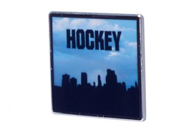210211HockeySideTwoPins